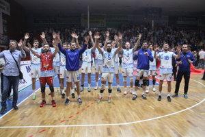 Nitrania po zápase ďakovali svojim fanúšikom.