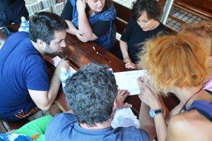 Súčasťou projektu Medziriadky je aj práca na spoločných zadaniach