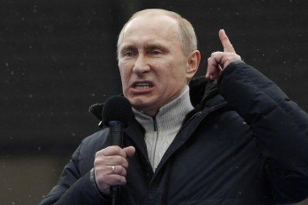 Železná ruská päsť a prázdna kasa sú v konflikte.