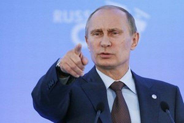 Putin neprávom ukazuje na Brusel.