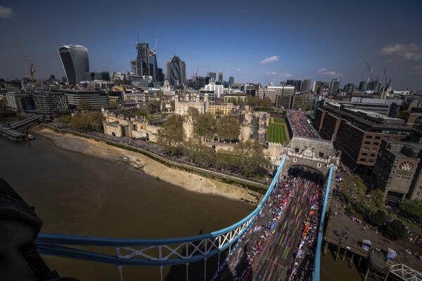 Londýnsky maratón poznačila veľká tragédia.