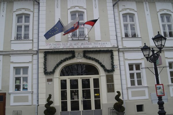 V budove Mestského úradu v Rimavskej Sobote otvorili klientske centrum SSE.