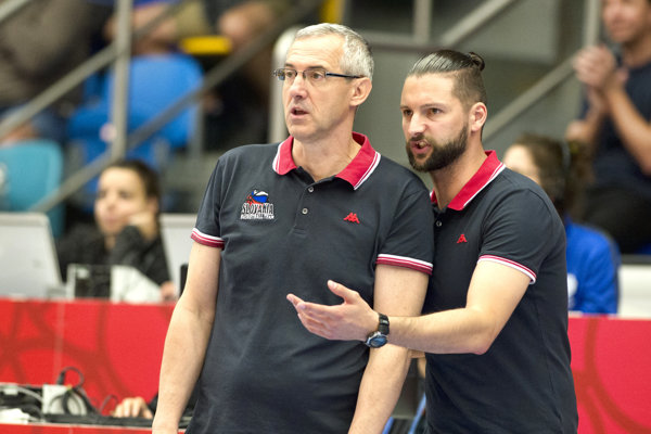 Levičan (vpravo) pôsobil aj pri reprezentácií žien Slovenska ako asistent Mariána Svobodu.