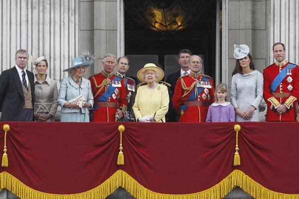 Kráľovská rodina v rámci osláv narodenín britskej kráľovnej Alžbety II.