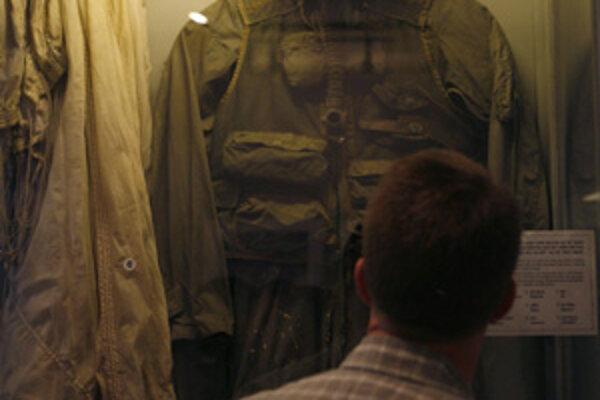 Vietnamská uniforma hrdinu.
