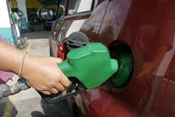 Sme závislí od ropy.