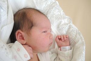 Denisa Staňová (3180 g, 49 cm) sa narodila 17. apríla Eve a Róbertovi z Ilavy. Doma už majú šesťročného Adamka. (3 fotky)