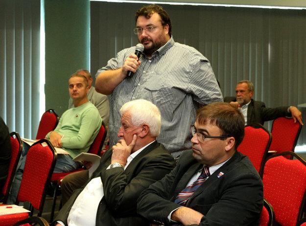 Radovan Ceglédy počas diskusie MY s vami na tému budúcnosti dopravy v Banskobystrickom kraji.