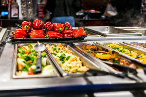 Pult s vareným jedlom a zeleninou je dnes jedným z najobľúbenejších.