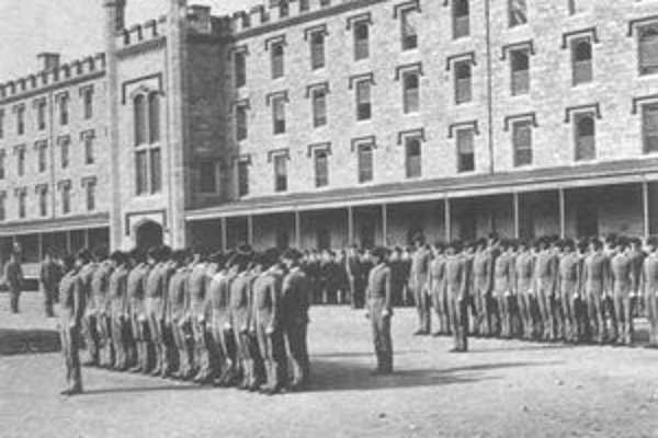 West Point otvoril svoje brány prvým kadetom 16. marca 1802.