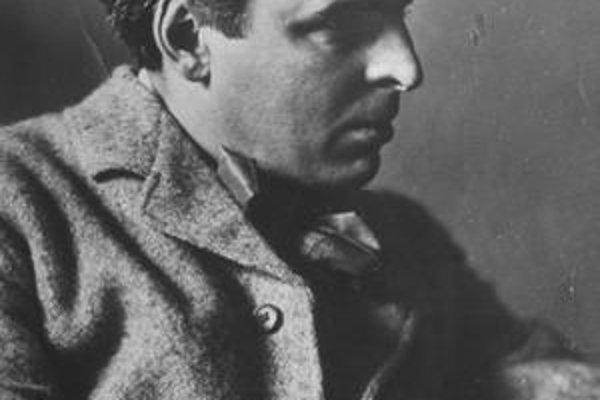 Yeatsov pohreb bol veľkou udalosťou. Pozostatky potom previezli do Írska.