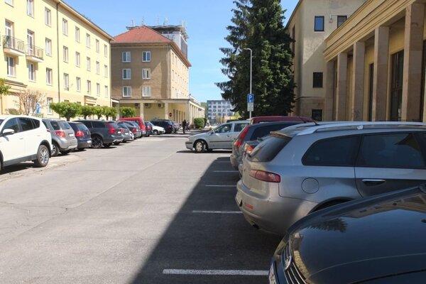 Parkovanie v centre čakajú zmeny.