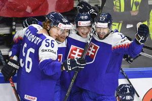 Slovenskí hokejisti - zľava Michal Čajkovský, Andrej Sekera, Dávid Bondra a Dávid Buc.