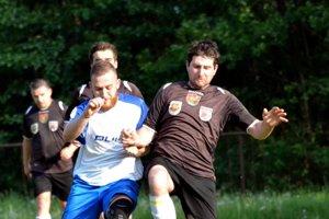 Futbalové zápasy zas priniesli viacero zaujímavých výsledkov.