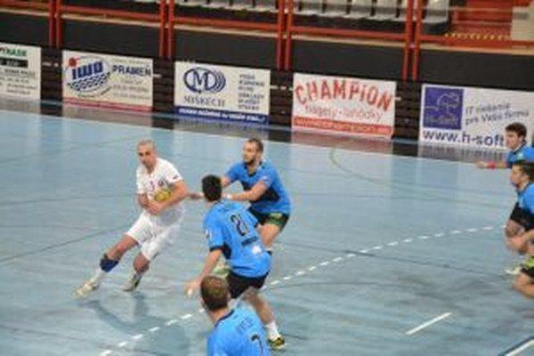 Firit (v bileom) sa proti Modre strelecky presadil päťkrát.
