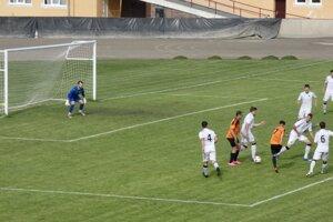 Žarnovica doma dostala päť gólov.