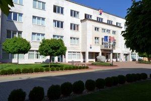 Ilustračná snímka - budova Mestského úradu Turzovka.