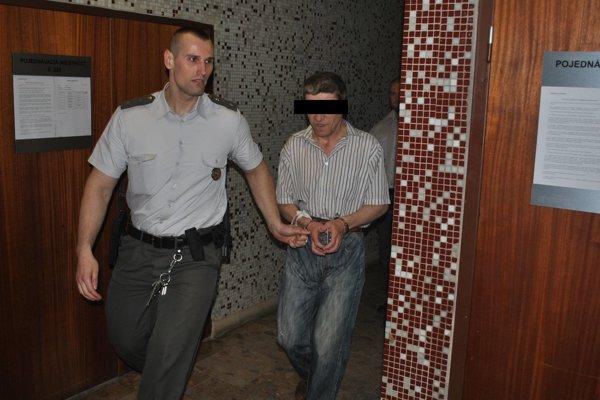 Michal na krajskom súde.