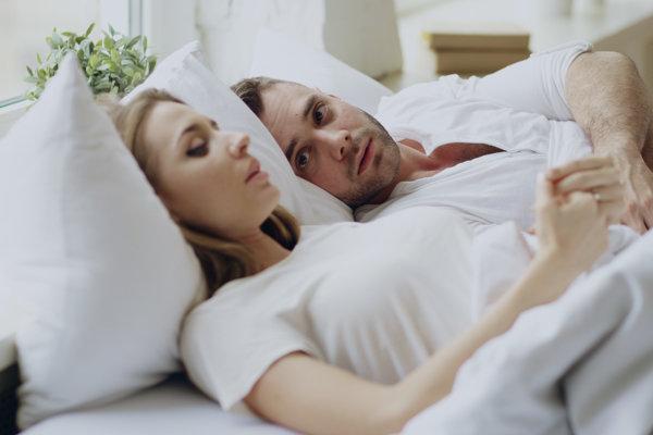 Rozhovor o sexe ľudia odkladajú aj preto, že sa boja negatívnej reakcie svojho partnera.