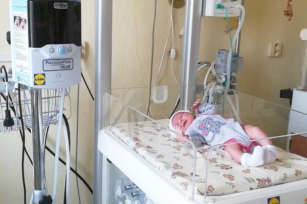 Na neonatolgickom oddelení majú nové prístroje pre novorodencov.