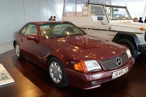 V roku 1991 vymenila princezná Diana Jaguar XJS za nemecký Mercedes 500 SL, s čím nebola kráľovská rodina príliš nadšená.