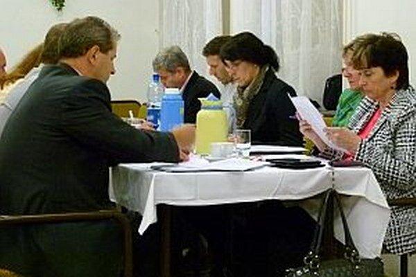 Mestské zastupiteľstvo. Počet jeho členov sa po voľbách nezmení.