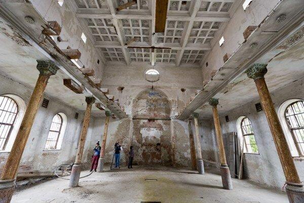 Na obnovu synagógy by mohlo čiastočne prispieť aj mesto Senec.