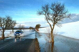 Sneh aj povodne. V�strahy platia pre cel� Slovensko (predpove� po�asia)