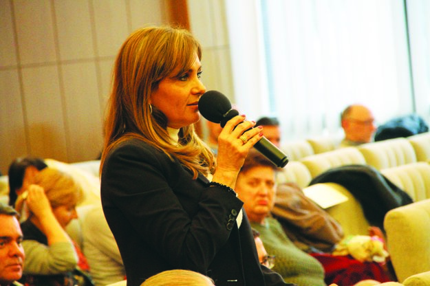 Na mestskom zastupiteľstve vystúpila vmene občanov zčasti Kolónia Milada Kováčová.