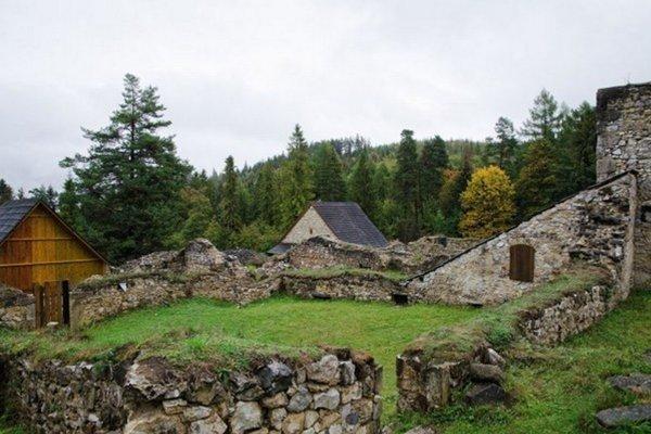 Kláštorisko v Slovenskom raji.