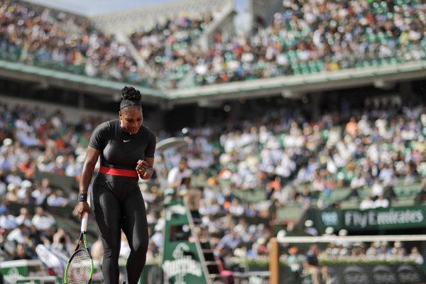 Serena Williamsová postúpila na Roland Garros do druhého kola.