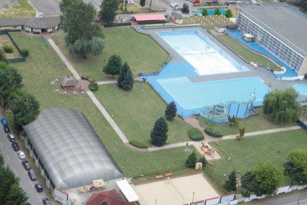 Vizualizácia volejbalové ihrisko cez leto.