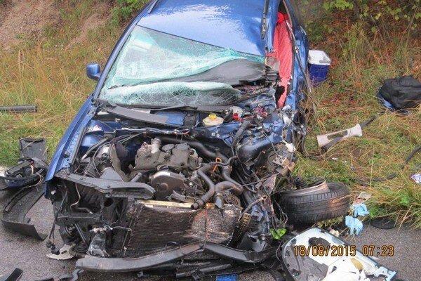 Na mieste zahynul vodič z Českej republiky.