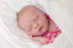 Eliška Aková  (3800 g, 53 cm) sa narodila  23. mája  Silvii a Tomášovi zo Soblahova. Doma ju čaká štvorročný Oliver.