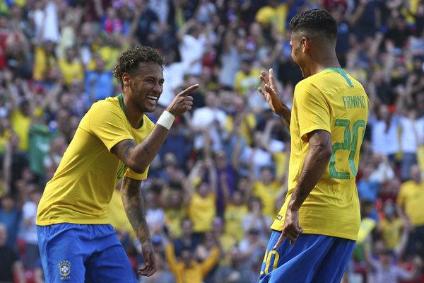 Neymar (vľavo).