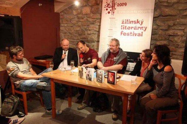 Žilinský literárny festival prináša množstvo besied a diskusií so zaujímavými ľuďmi - filmármi, spisovateľmi, autormi.