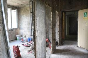 V byte, kde došlo k výbuchu je ešte dosť práce.