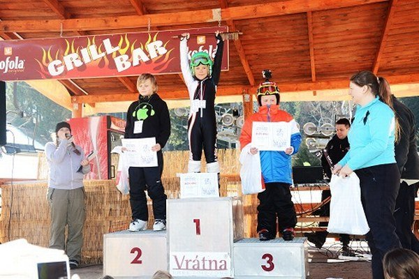 Víťazi amatérskych pretekov v lyžovaní a snowboardovaní.