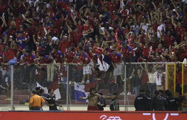 Roman Torres gólom v závere pobláznil Panamu.