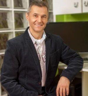 Renomovaný stomatológ Vladimír Paulech sa implantológii venuje už viac ako desať rokov.