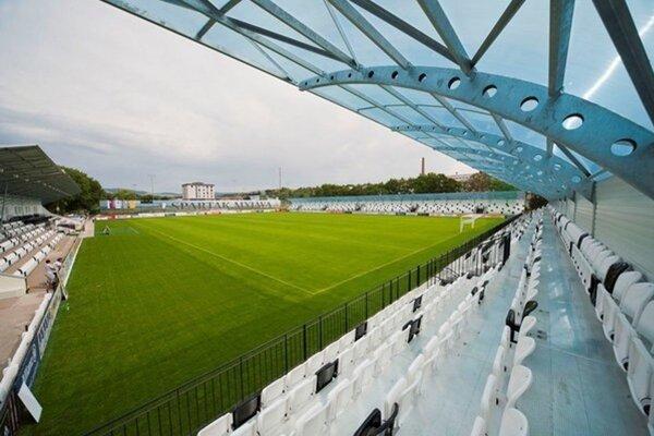 Futbalisti Serede budú mať v prvej lige domácu pôdu v Myjave. Aspoň v prvých zápasoch určite.