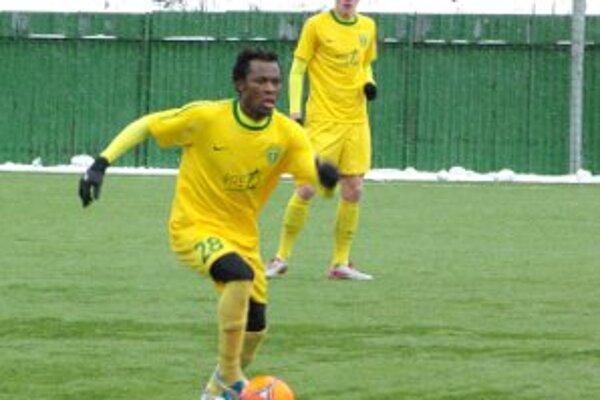 Babatounde Issiaka Bello opäť v akcii.