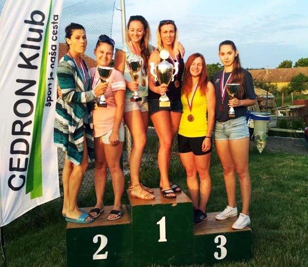 Medailistky v ženskom turnaji.