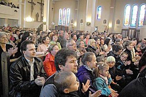 Kostol bol počas oboch koncertov plný.