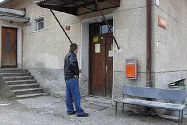 Pošta v Gbeľanoch. Páchateľ z nej vraj chcel ukradnúť trezor.