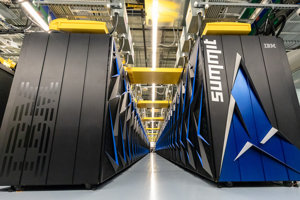 Superpočítač Summit.