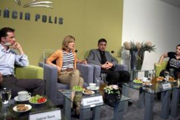 Hostia besedy v Nadácii POLIS