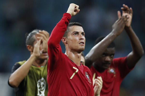 Cristiano Ronaldo bol hviezdou zápasu proti Španielsku.
