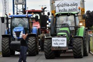 Štart protestu farmárov  v pondelok 18. júna 2018 v Michalovciach.