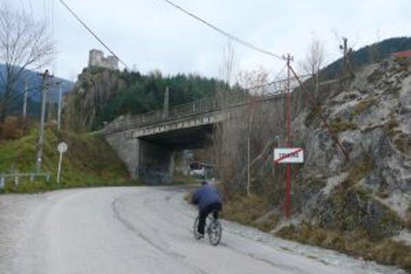 Na ceste zo Žiliny do Martina je niekoľko mostov v zlom stave.